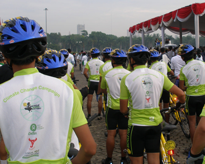 "Indonesia's ""Bike for Earth"" cyclists get ready to ride to Fight Climate Poverty.</p /> </a></span></span></p>  </div>     </div></div> <!-- /node-inner, /node -->   </div>   <div class="